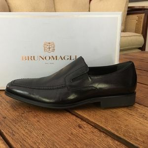 Bruno Magli Black Leather Loafers NIB $450